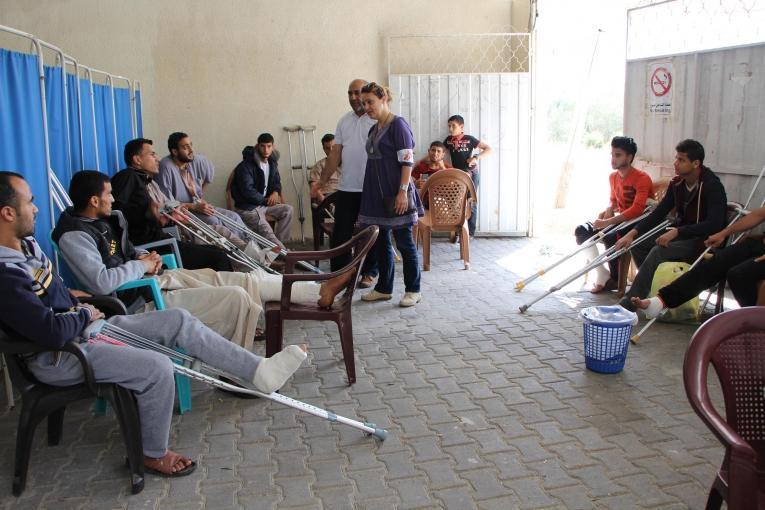 Le samedi 14 avril, les équipes de Médecins Sans Frontières ont exceptionnellement ouvert la clinique de Khan Younis pour fournir des soins postopératoires aux personnes blessés par balles ces dernières semaines.Palestine. 2018.