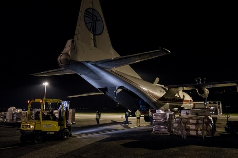 Un avion cargo MSF en partance pour les Philippines.