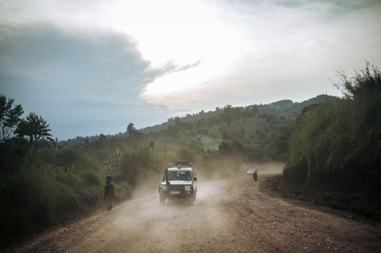 Une équipe de Médecins Sans Frontières se déplace entre Kalunguta et Butembo. 2018. République démocratique du Congo.  © Alexis Huguet