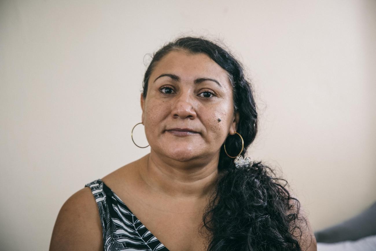 Lurvy Elisa Ramírez a été heurtée par un train alors qu'elle fuyait le Honduras. Les autorités mexicaines ont refusé de lui porter assistance. L'accident lui a coûté ses jambes.  © Léo Coulongeat