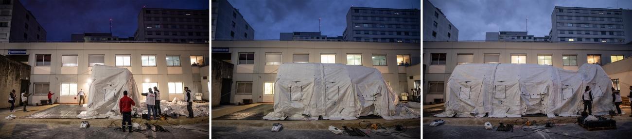 La structure permet d'accueillir 12 personnes ayant besoin de premiers soins de réanimation, avant qu'ils puissent intégrer la réa de l'hôpital. Reims, 4 avril 2020.  © Agnes Varraine-Leca/MSF