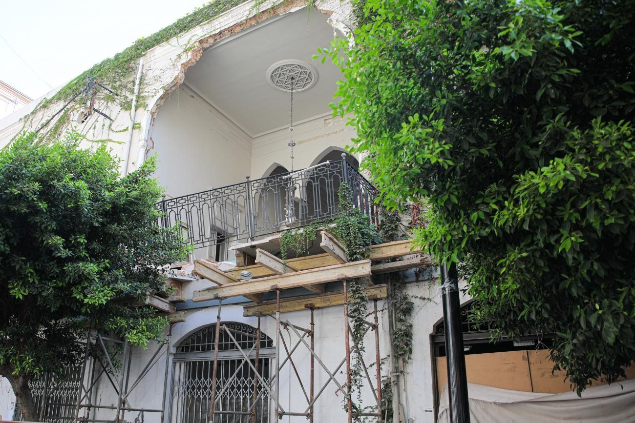 Le quartier Gemmayze de Beyrouth, autrefois rempli de bars, cafés, galeries et autres commerces, a été gravement endommagé par les explosions qui ont anéanti la zone portuaire le 4 août.  © Mohammad Ghannam/MSF