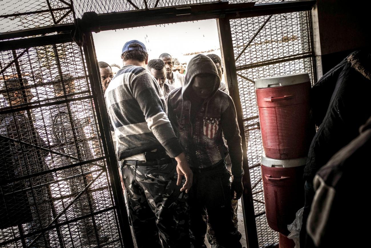 Des détenus du centre Abu Salim auquel MSF n'a pas pus accéder depuis juin 2017.  © Guillaume Binet/Myop