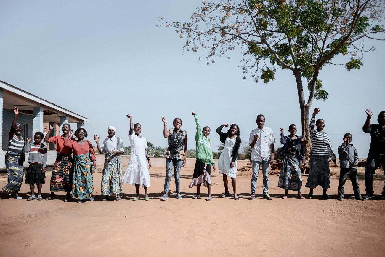 Centre de santé de Mbulumbuzi. Les équipes prennent en charge les nouveaux arrivants.  © Luca Sola