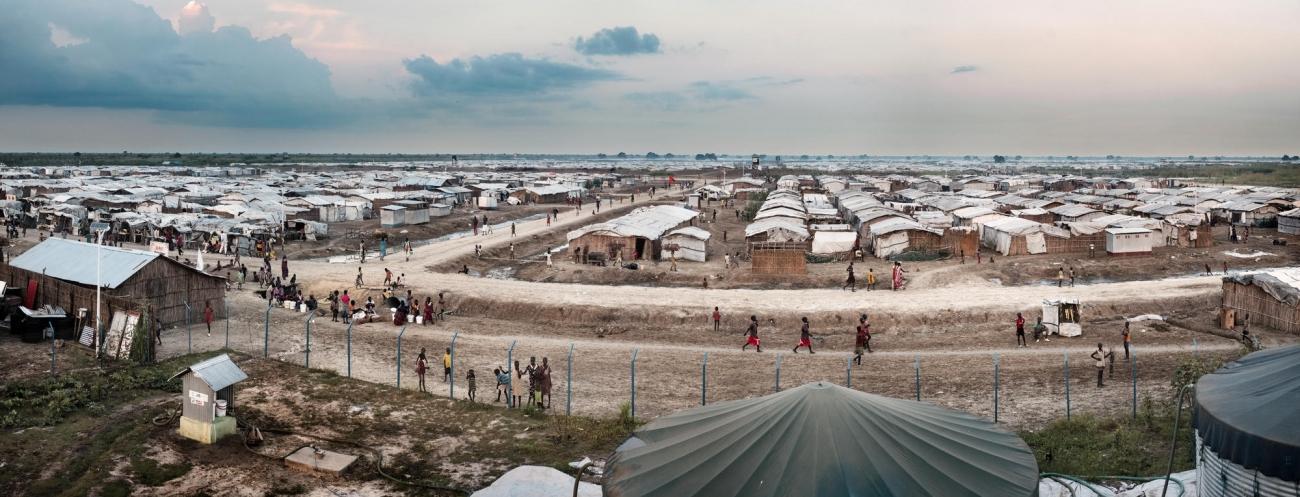 Le camp de protection des civils de Bentiu en septembre 2017. Environ 115000personnes déplacées par la guerre vivent désormais sur ce site.  © Peter Bauza