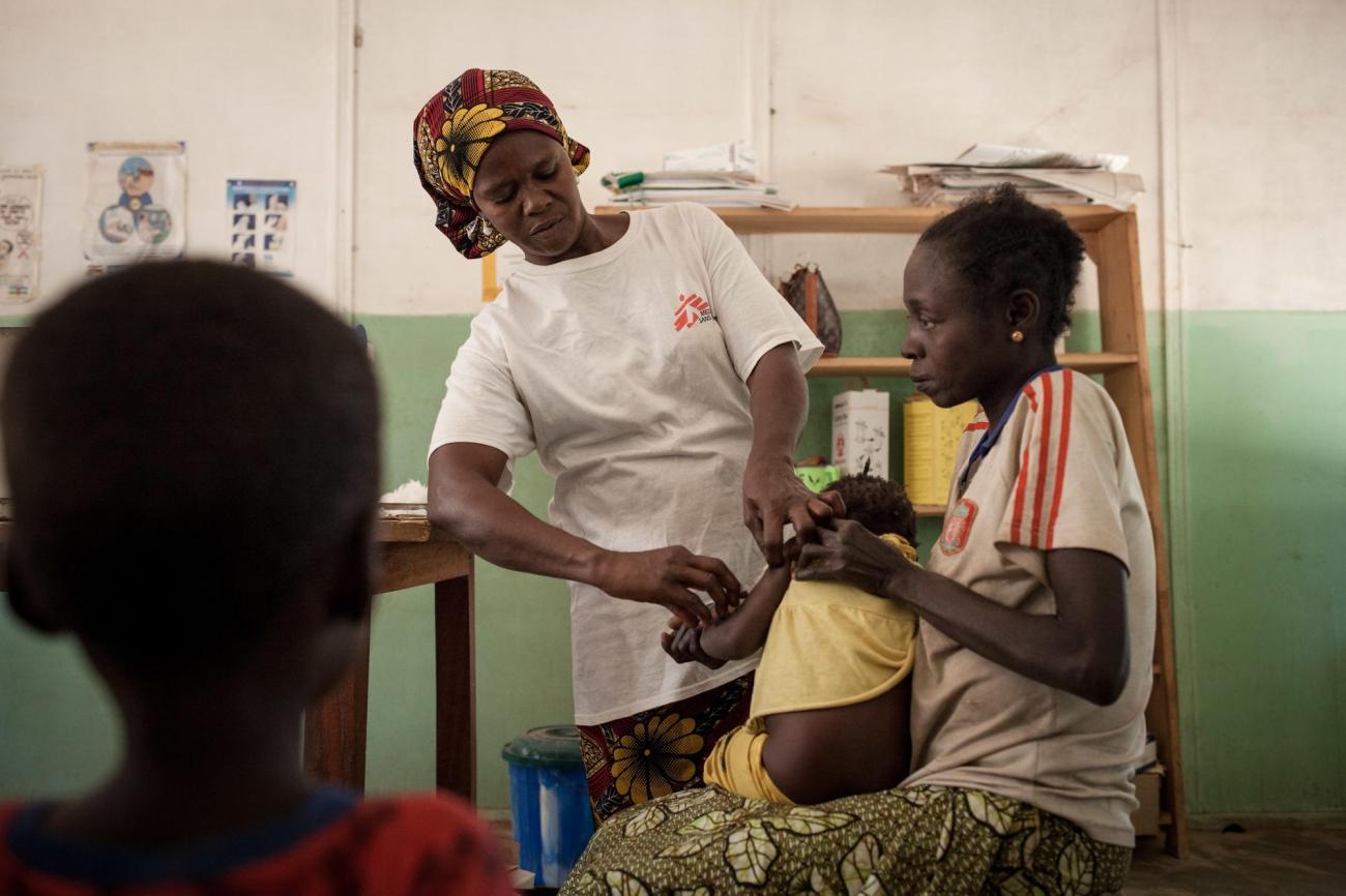 Vaccination à Paoua dans la préfecture deOuham-Pendé. République centrafricaine. 2017.  © Alexis Huguet