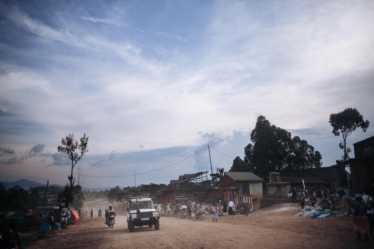 Des équipes de Médecins Sans Frontières se rendent à Kalunguta depuis le centre de traitement Ebola de Butembo. Novembre 2018. République démocratique du Congo.  © Alexis Huguet