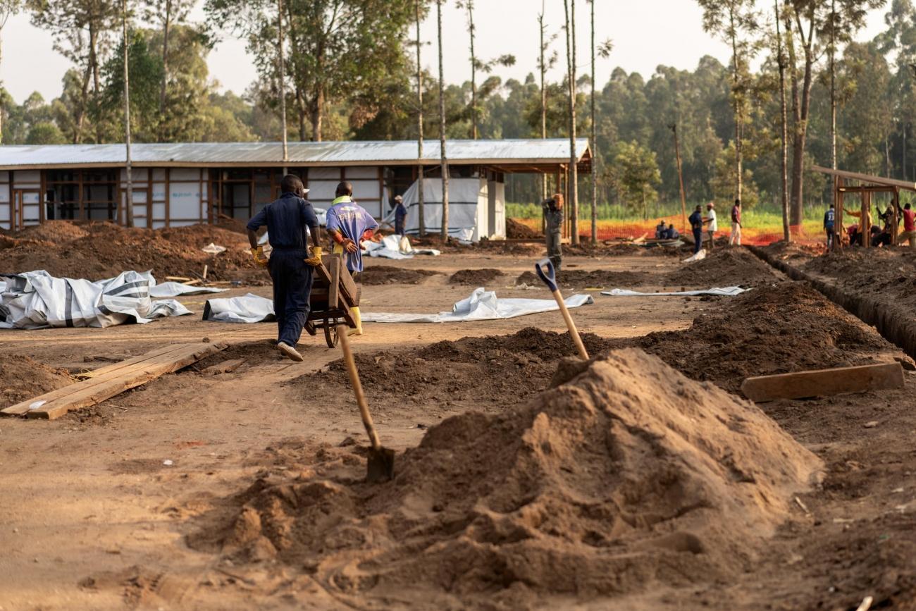 Vue du nouveau centre MSF de traitement Ebolade Katwalors de sa construction. République démocratique du Congo. 2018.  © Gabriele François Casini/MSF