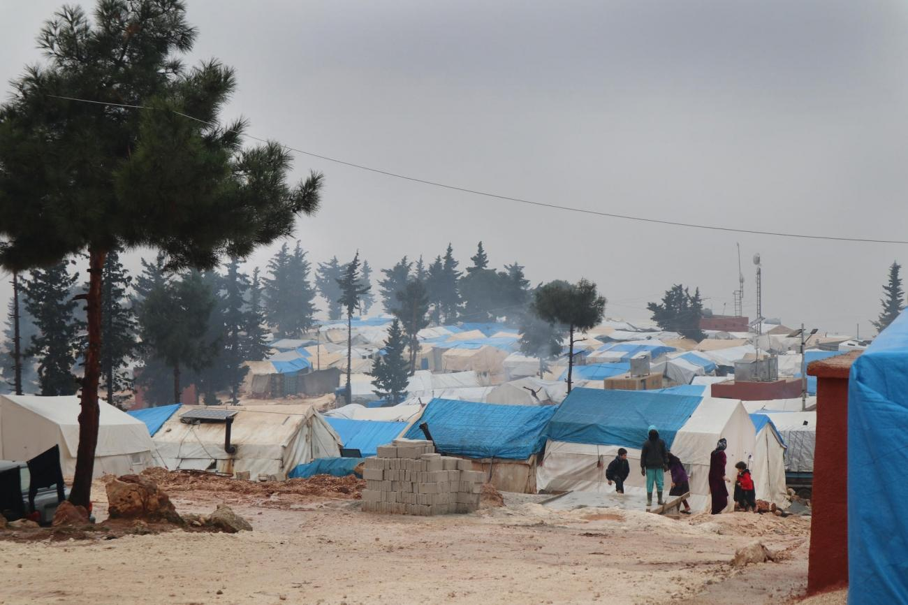 Des personnes déplacées près deJebel Harem, dans le nord-ouest de la Syrie.  © MSF