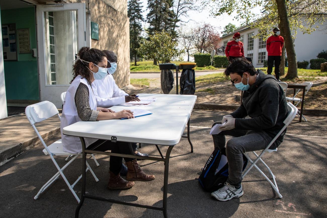 Coronavirus Msf Intervient Dans Un Centre Covid Aupres Des Personnes Vulnerables En Ile De France Medecins Sans Frontieres