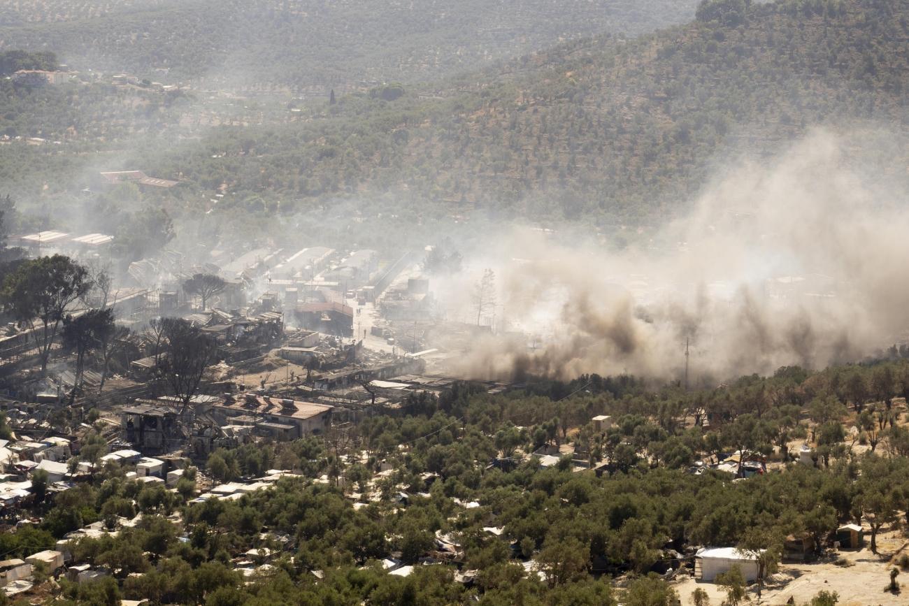 Incendie du camp de Moria, au petit matin, le 9 septembre 2020.    © /MSF
