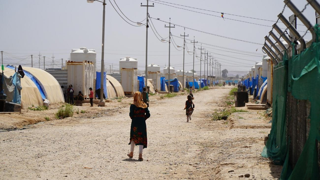 Vue générale d'un camp de déplacés, proche de l'aéroport de Qayyarah, Irak, mai 2019.  © Maya Abu Ata/MSF