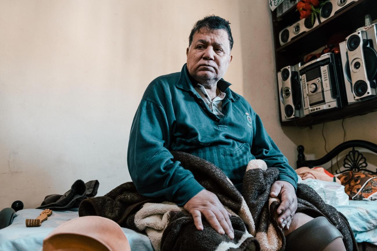 Tawfik a 70 ans. Il habite dans le camp de Shatila, Liban. 2020. Karine Pierre/Hans Lucas for MSF / Instagram : @pics_stone