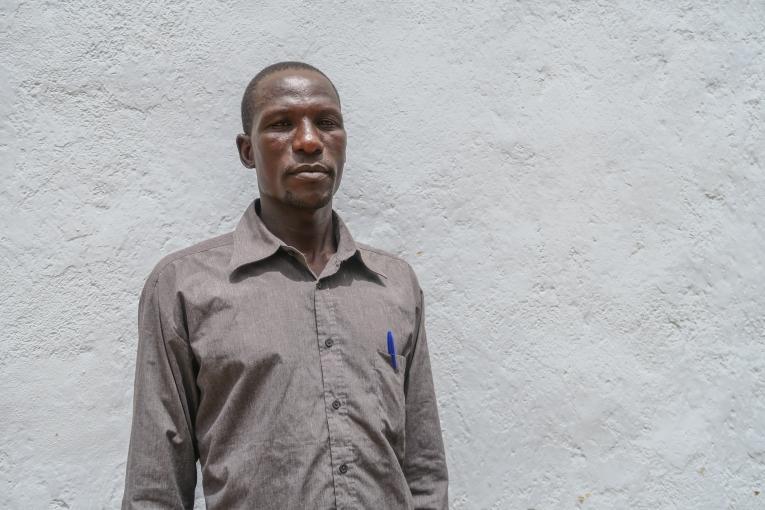 Manuel (prénom d'emprunt), relais communautaire pour MSF : «Beaucoup ne sont pas rentrés, ils ont peur, surtout ceux qui n'ont plus d'abris.Mais ils vont rester où ?».  © Vanessa Fodjo / MSF