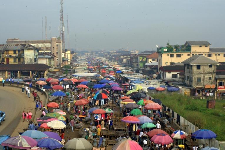Le marché de Port Harcourt, Nigéria. Décembre 2011.  © Yann Libessart/MSF