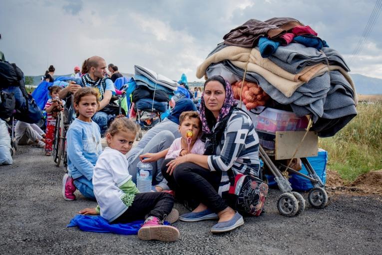 En 2016, MSF a dispensé plus de 12 000 consultations aux réfugiés arrivés en Grèce, distribué plus de 25 000 repas et prodigué les premiers soins à plus de 7400 personnes arrivant sur les îles de Samos et d'Agathonisi.  Camp de réfugiés de Katsikas, Grèce, en juillet 2016.  © Bruno Fert