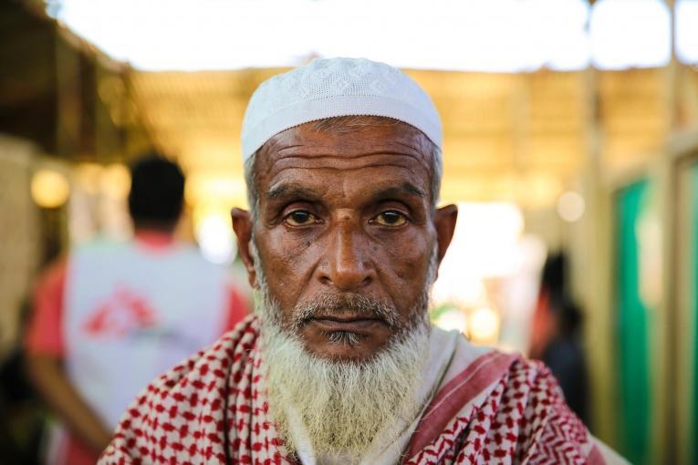 Mohammad Ali a perdu sa femme et deux petites filles sur la route du Bangladesh.  © Mohammad Ghannam/MSF