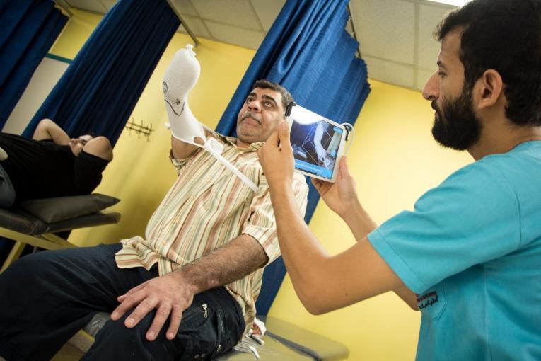 Haider en consultation à l'hôpital MSF d'Amman. Jordanie. 2017.  © MSF/Florian SERIEX