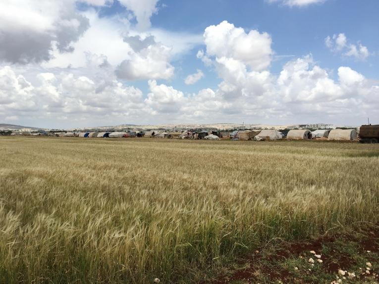 Une vue d'un camp de personnes déplacées à Idlib en Syrie.  © Mohammed  Homidan/MSF