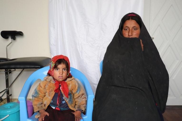 Jamala a 40 ans. Elle a 5 enfants et elle est s'est rendue dans la clinique MSF d'Hératpour une consultation anténatale. 2019. Afghanistan.  © Adhmadullah Safi/MSF