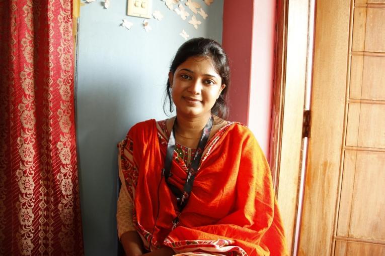 « Les femmes qui viennent dansnotre clinique sont agressées physiquement par leur mari. » déclare Rupa, conseillère au dispensaire pour femmes de MSF à Kamrangirchar, un bidonville du sud de Dhaka. « Ce sont les patientes qui viennent à nous parce qu'elles sont totalement dévastées. »  © Amber Dowell/MSF