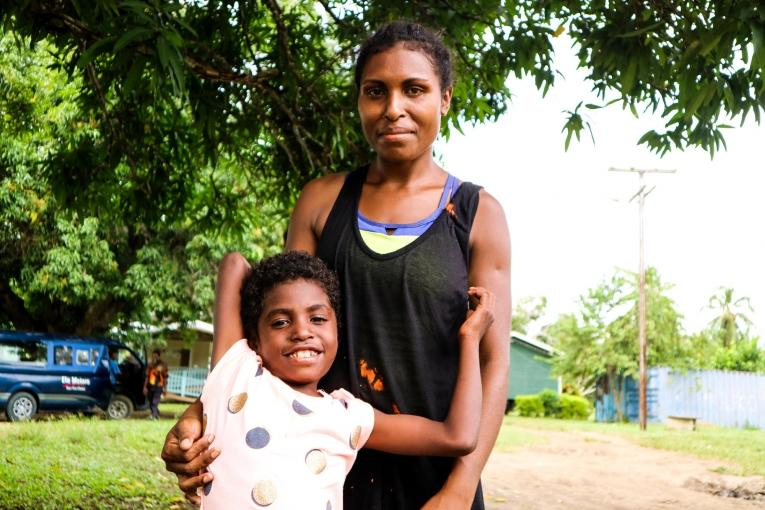 Jane Matthews James a 6 ans et vient de terminer deux ans de traitement.  © Sara Bechstein/MSF
