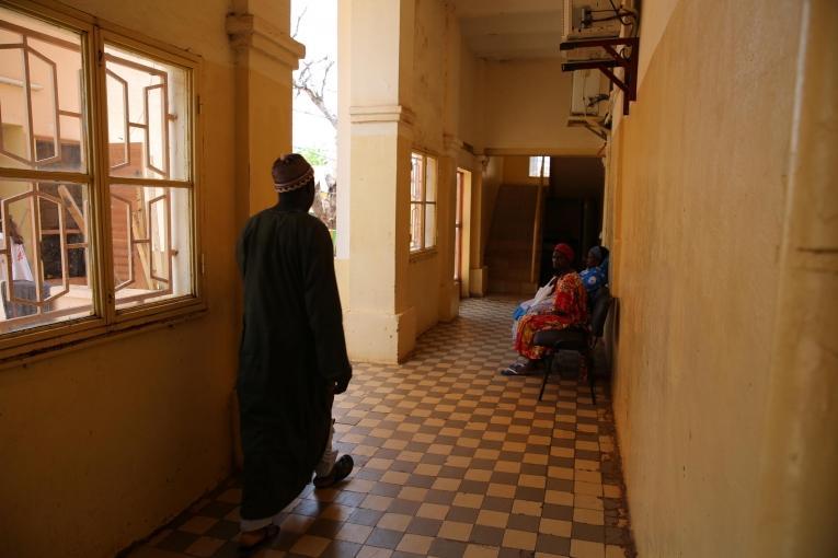 Le service d'hémato-oncologie de l'hôpital du Point G à Bamako dans lequel les équipes de Médecins Sans Frontières travaillent depuis 2018. Mali. 2019.  © MSF/Mohammad Ghannam