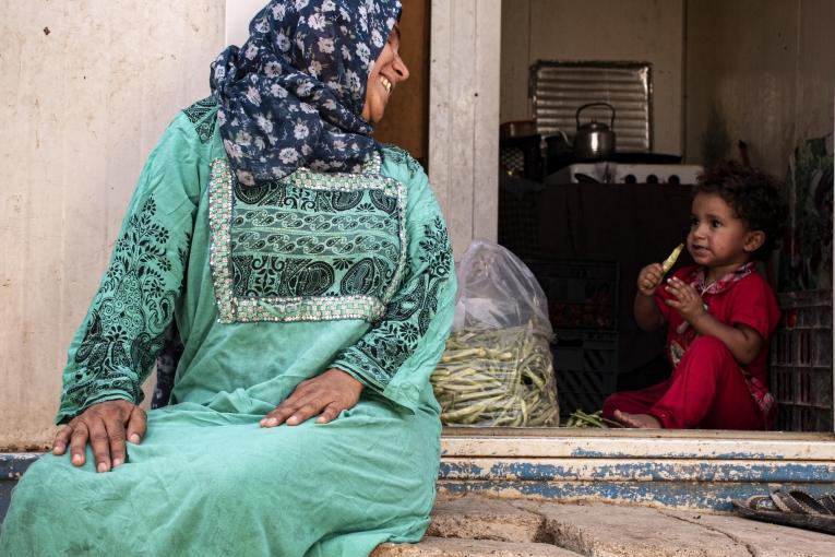 Samira et sa famille ont fui leur maison d'Al-Muqdadiyah il y a cinq ans. Elle et son mari participent aux sessions de soutien psychologique organisées par MSF.  © MSF/Hassan Kamal Al-Deen