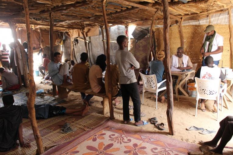 Consultations dans le centre de santé d'Assamaka.  © Pape Cire Kane/MSF