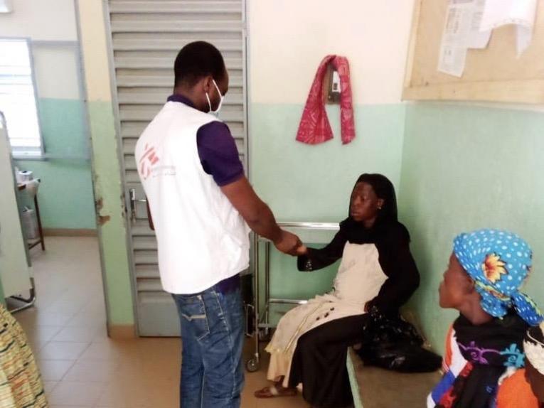 Les équipes MSf soutiennent la structure de santé de Fada. Burkina Faso. 2020.     © MSF