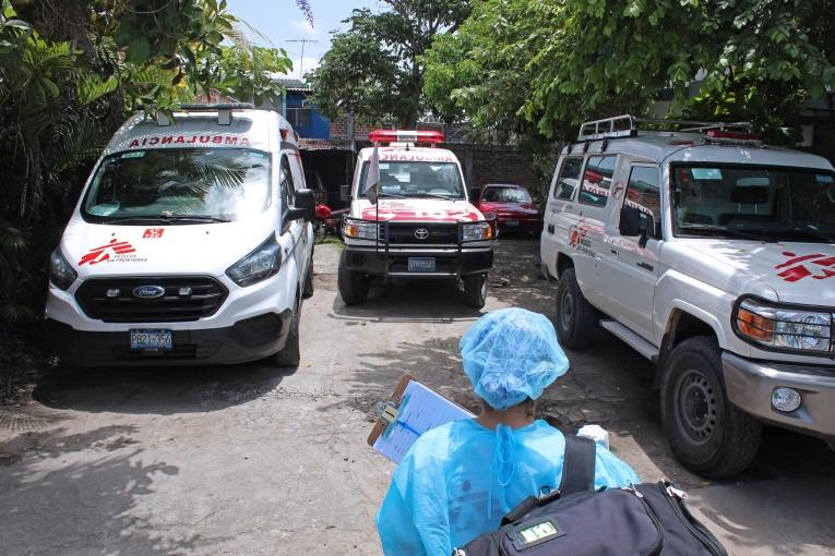 Des ambulances MSF au Salvador. 2020.