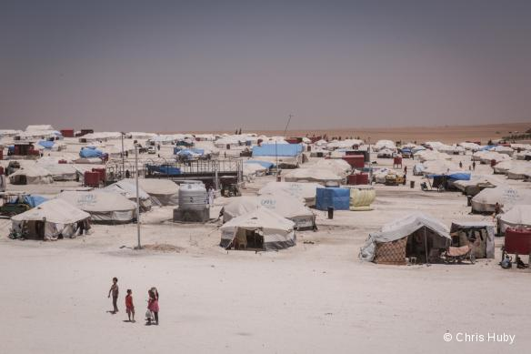 Le camp d'Ain Issa, dans le nord-est de la Syrie, accueille environ 8 000 personnes fuyant les violences et les zones contrôlées par l'organisation Etat islamique.