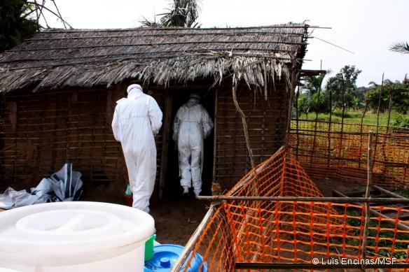 Une unité d'isolation des patients atteints par le virus Ebola, en République démocratique du Congo, en 2009.