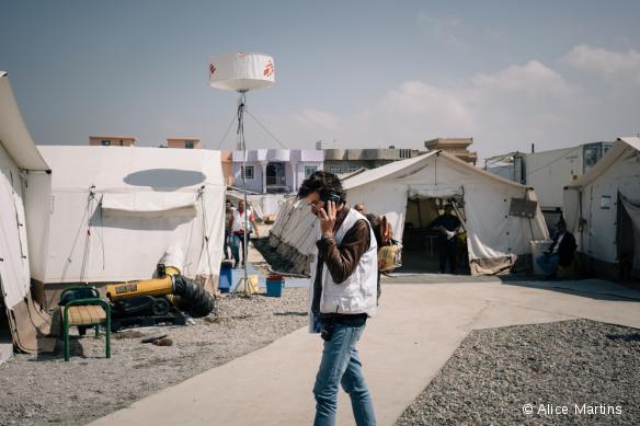 Jonathan Whittall dans l'unité de traumatologie que MSF a récemment ouverte au sud de Mossoul, en Irak.