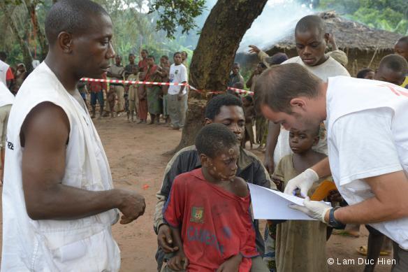 Campagne de traitement du pian chez les pygmées au Congo-Brazzaville. 2012