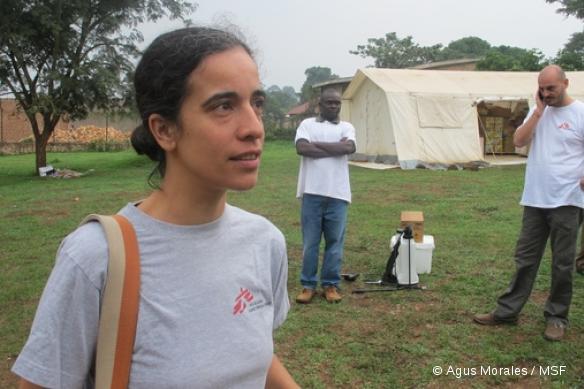 Kagadi (district de Kibaale, ouest de l'Ouganda). Ebola est une maladie rare, mais Olimpia de la Rosa (née à Madrid en 1972) la connaît bien.