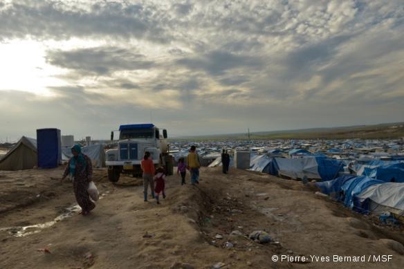 Le camp de réfugiés syriens est surpeuplé et l'aide insuffisante
