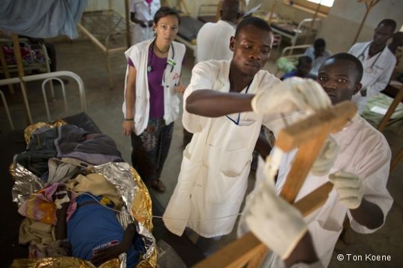 MSF soutient l'hôpital de Batangafo hôpital (170 lits) - Juin 2013