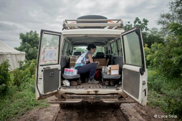 L'intérieur d'un Land Cruiser, véhicule utilisé sur certaines missions par MSF