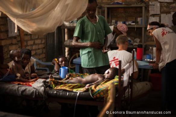 Centre de traitement rougeole de l'hôpital général de référence de Mulongo, Katanga, RDC. Septembre 2015.