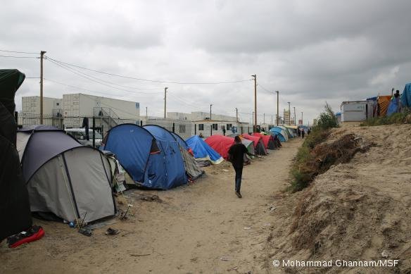 Les réfugiés nouvellement arrivés à Calais continuent de s'installer dans la Jungle, malgré les conditions très difficiles. Septembre 2016.