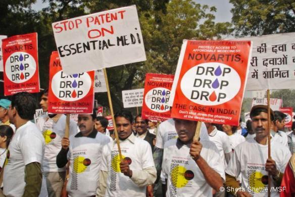 Une manifestation contre Novartis en janvier 2007, à New Delhi, en Inde.